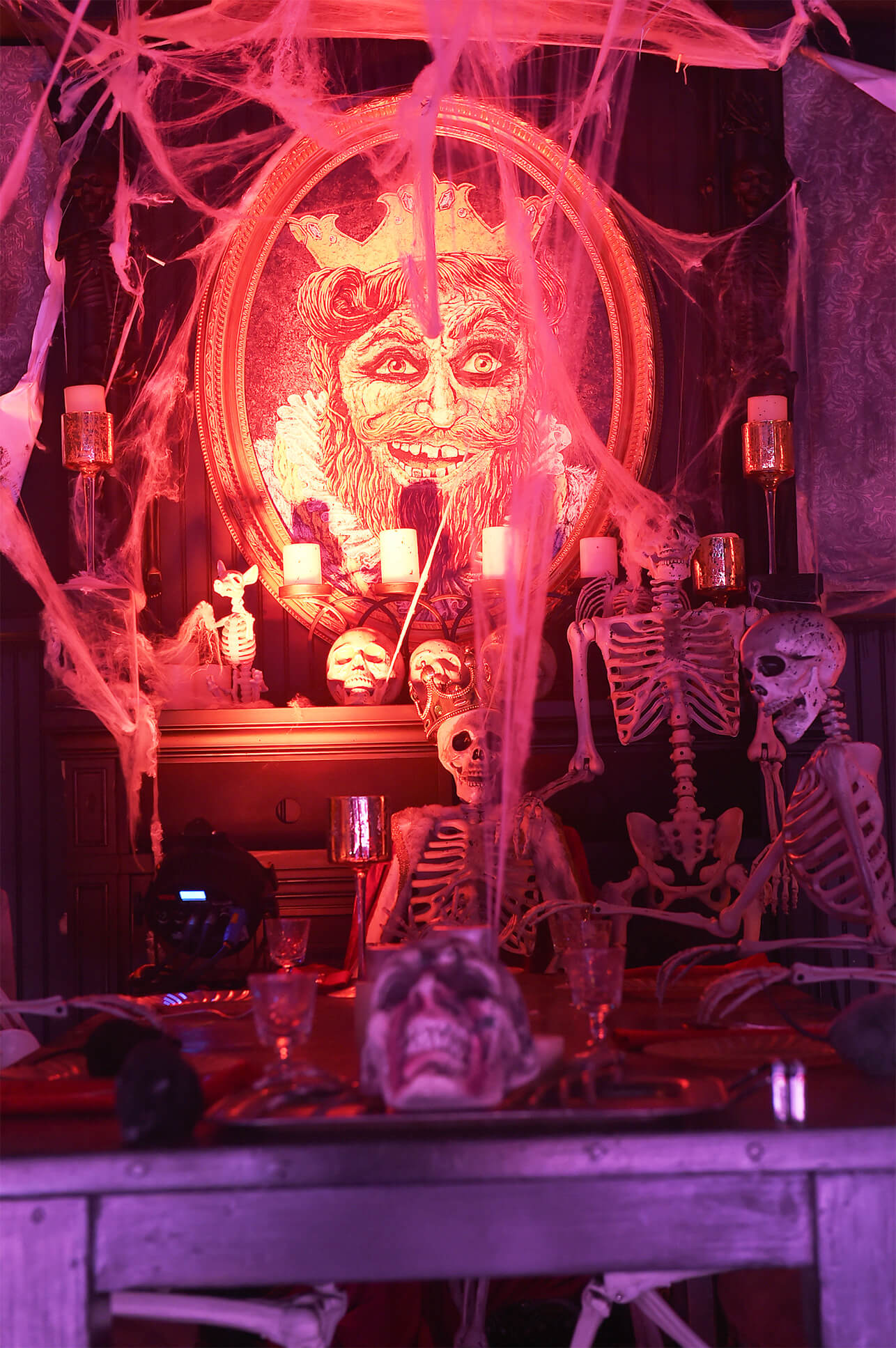 Complete with a ghoulish light package, sound effects, and smoke machines, drivers navigated through vignettes and live action scenes created by experiential marketing agency, TMA.