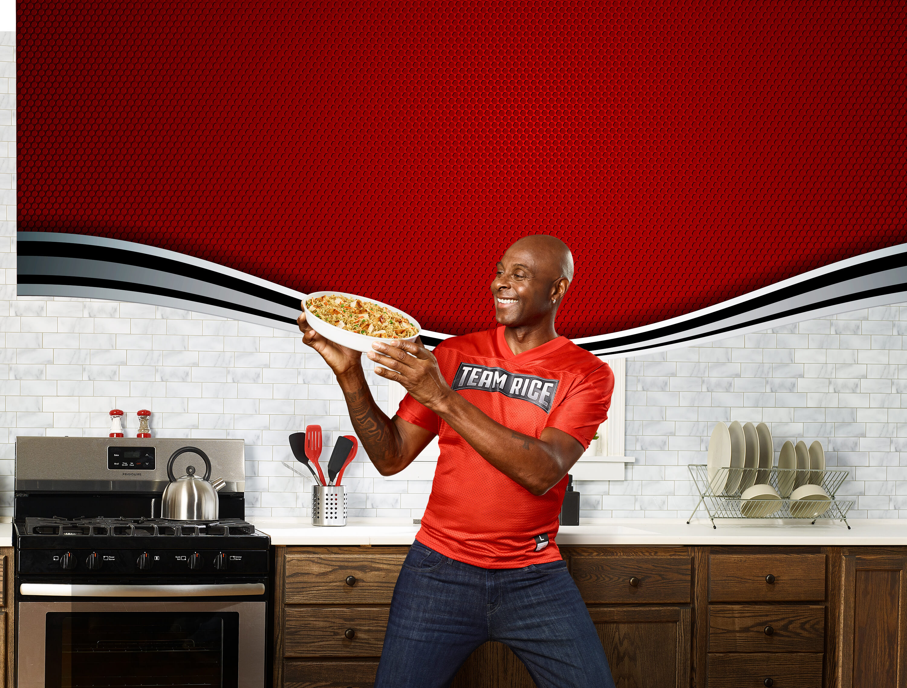 """The Marketing Arm flexed its creative, retail and shopper marketing, social media, and content capabilities when it teamed up with Rice-A-Roni, Pasta Roni, and NFL Hall of Famer Jerry Rice to form """"Team Rice."""""""