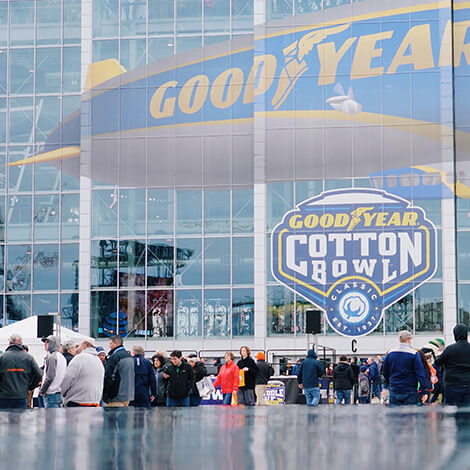 """Goodyear challenges football fans to """"Be Blimpworthy"""" at the 83rd Cotton Bowl image 3"""