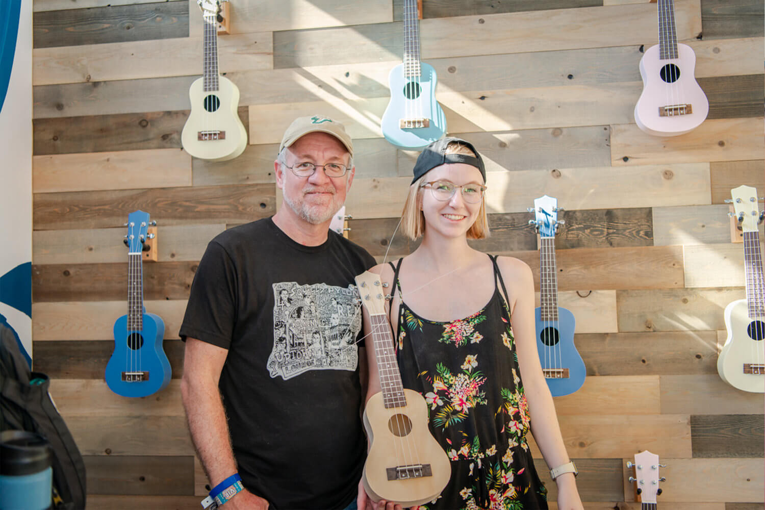 Fans were able to perform small acts of good, which included building ukuleles for music education, packaging food items for hunger, and writing inspirational notes for at-risk youth.