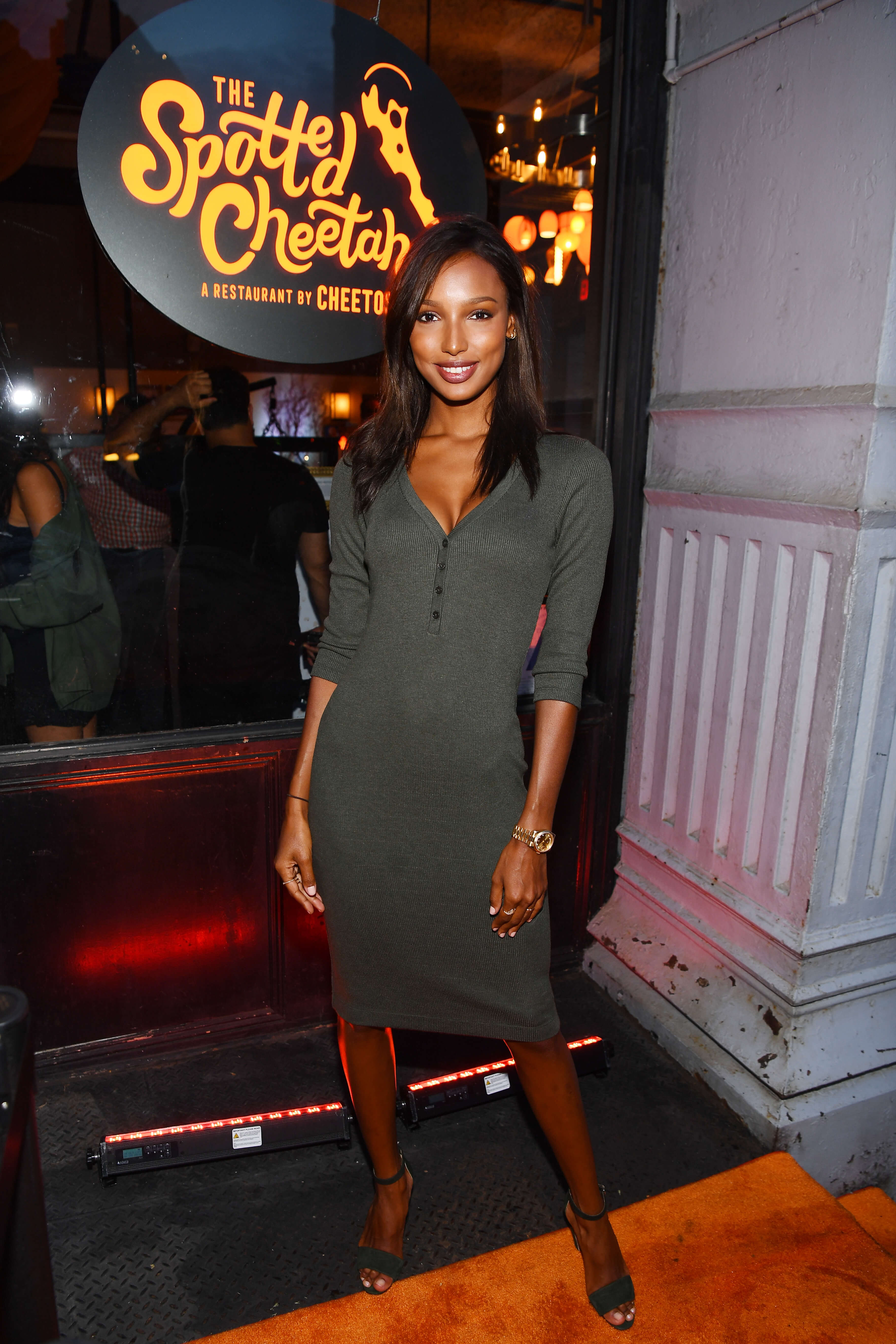 Victoria's Secret Angel Jasmine Tookes got her paws on some dangerously cheesy dishes.