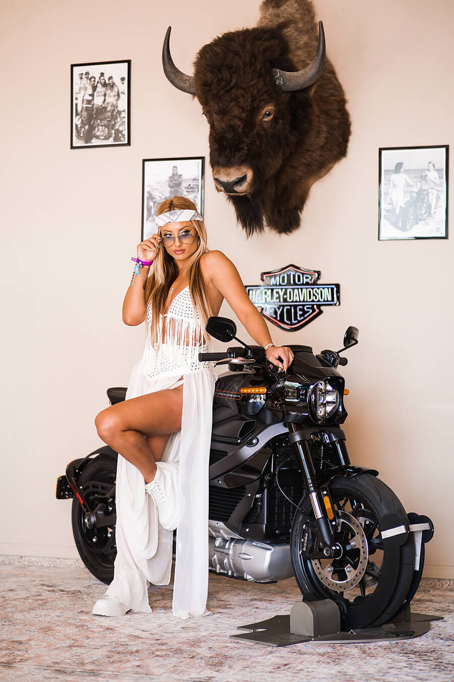 Influencers posed for the photo booth with Harley's new ride, the Livewire, garnering exposure through over 250 social posts and 33M impressions.