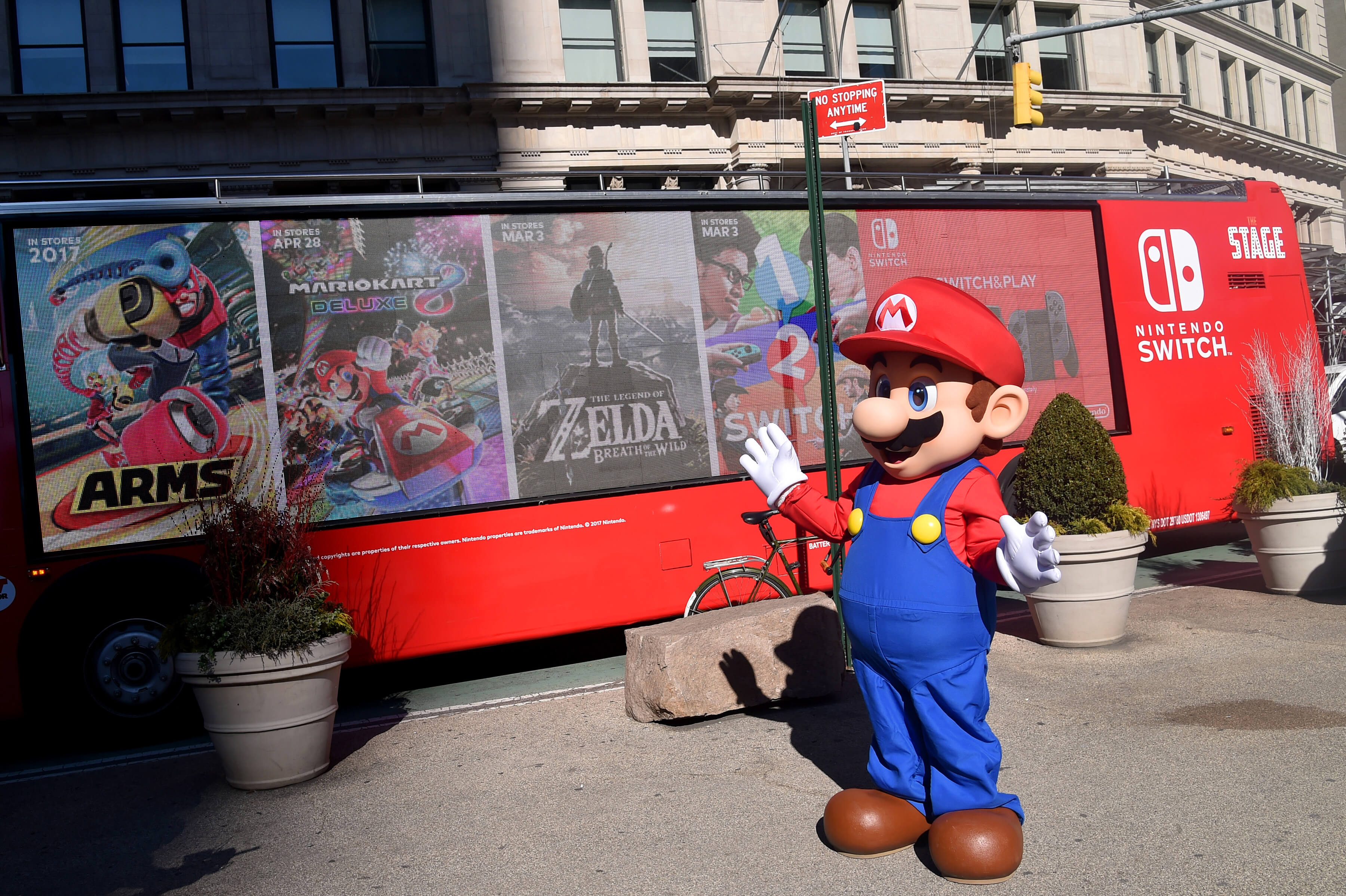 The tag team duo, Mario and Luigi were also spotted at the Madison Square Park pop-up to celebrate and engage consumers at the launch of the Nintendo Switch.